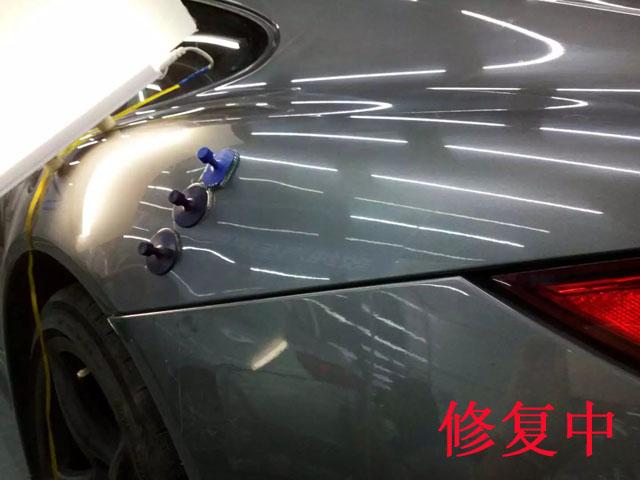 汽车无痕凹陷修复中2
