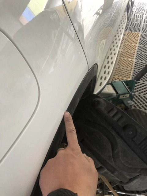 奔驰车身凹陷修复后.jpg